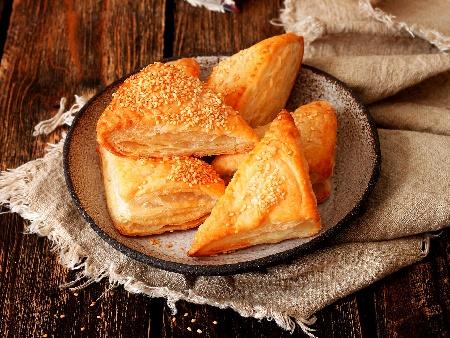 Лесни бутер банички със сирене - снимка на рецептата